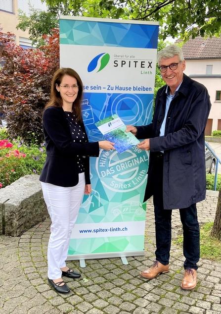 Präsidium freut sich auf die Zusammenarbeit (Karen Peier, Präsidentin Spitexverein Eschenbach-Schmerikon und Peter Göldi, Präsident Spitex Linth)